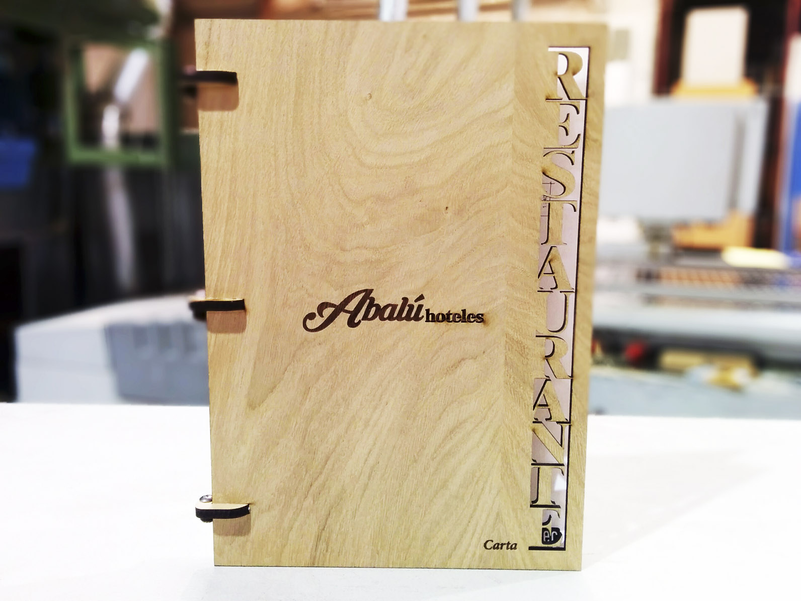 Cartas para restaurante en madera.